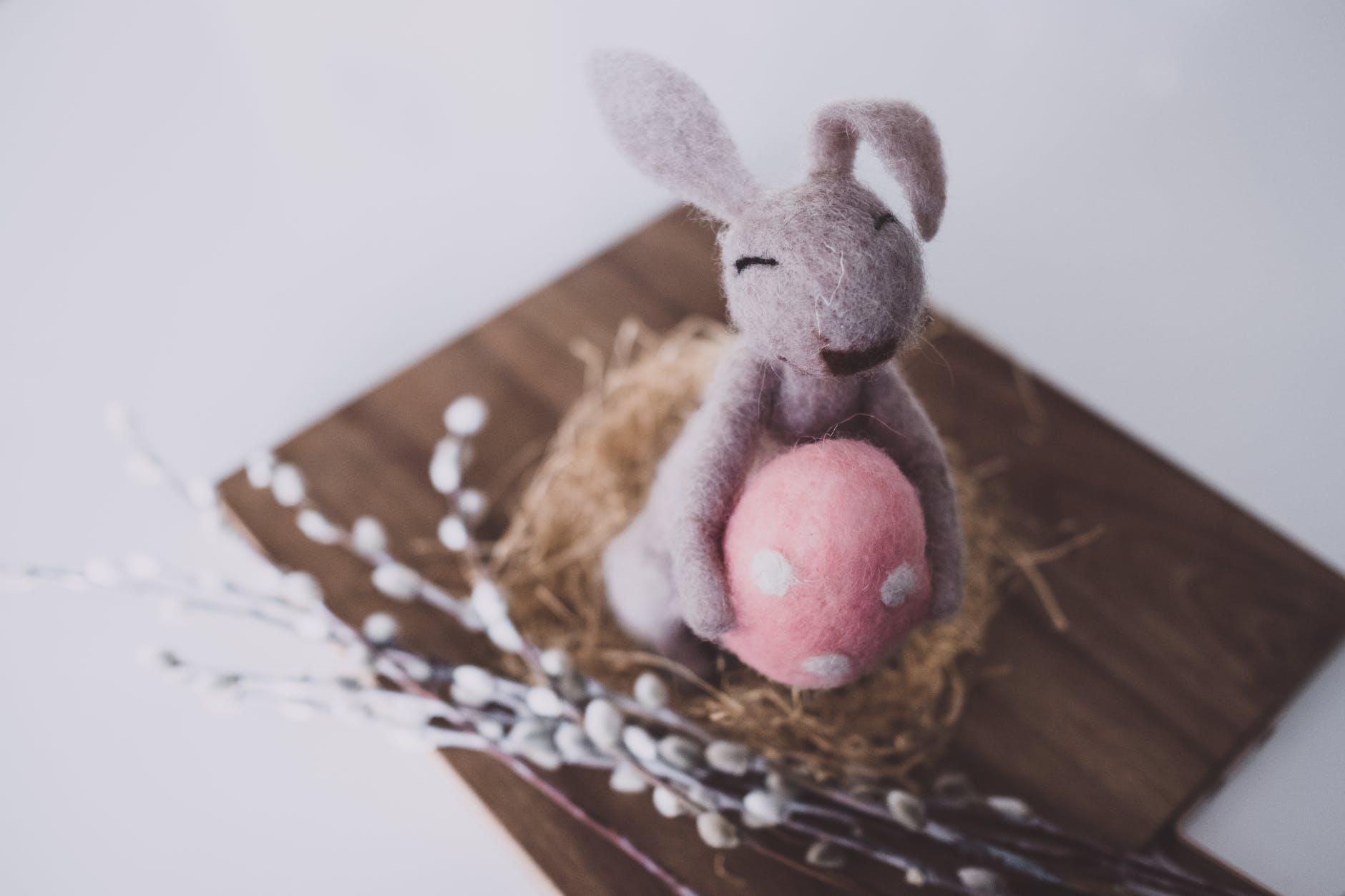 兔子和蛋是復活節的應景小物